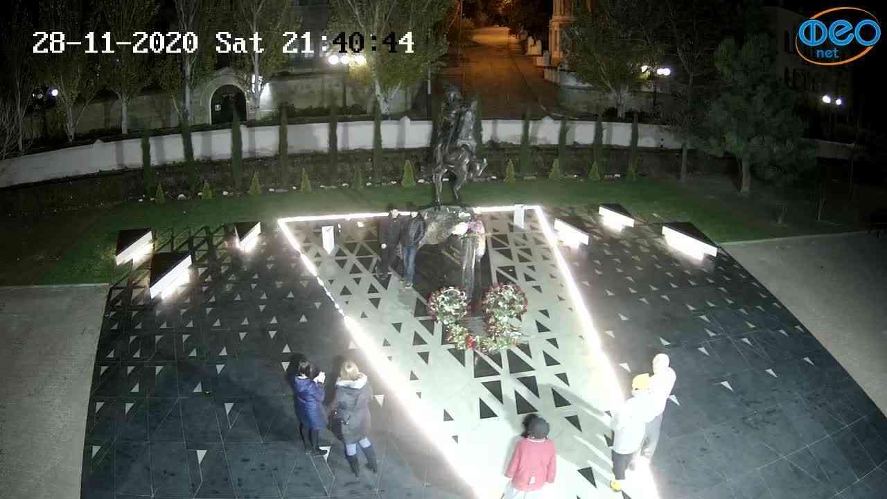 Веб-камеры Феодосии, Памятник генералу Котляревскому, 2020-11-28 21:40:57