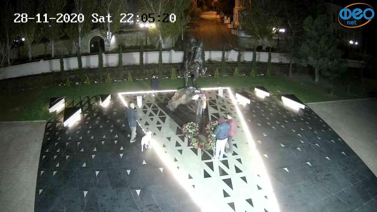 Веб-камеры Феодосии, Памятник генералу Котляревскому, 2020-11-28 22:05:33
