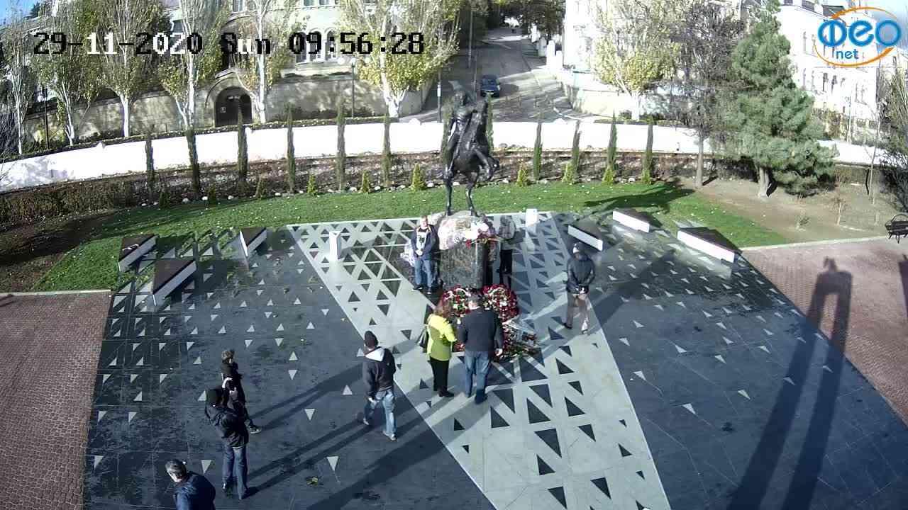 Веб-камеры Феодосии, Памятник генералу Котляревскому, 2020-11-29 09:56:44