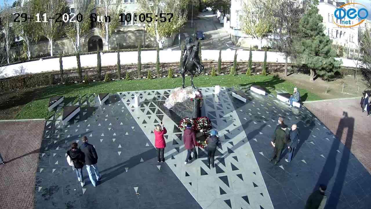 Веб-камеры Феодосии, Памятник генералу Котляревскому, 2020-11-29 10:06:14