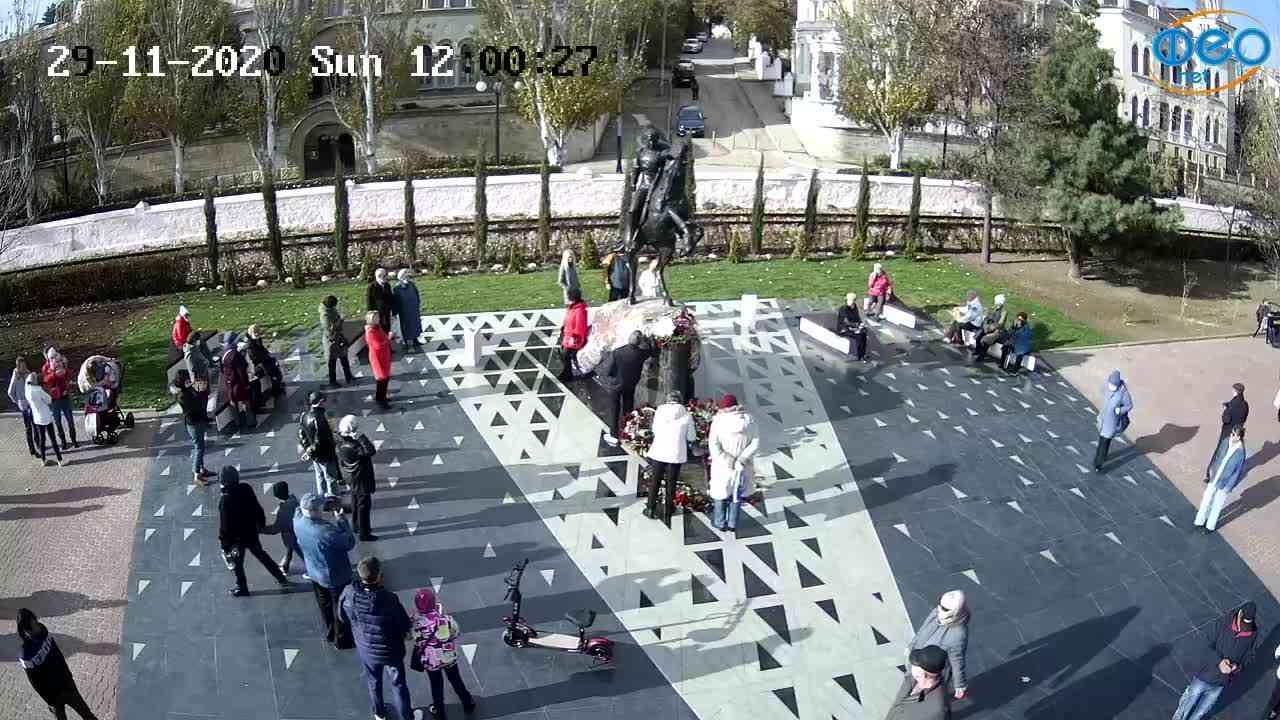 Веб-камеры Феодосии, Памятник генералу Котляревскому, 2020-11-29 12:00:43