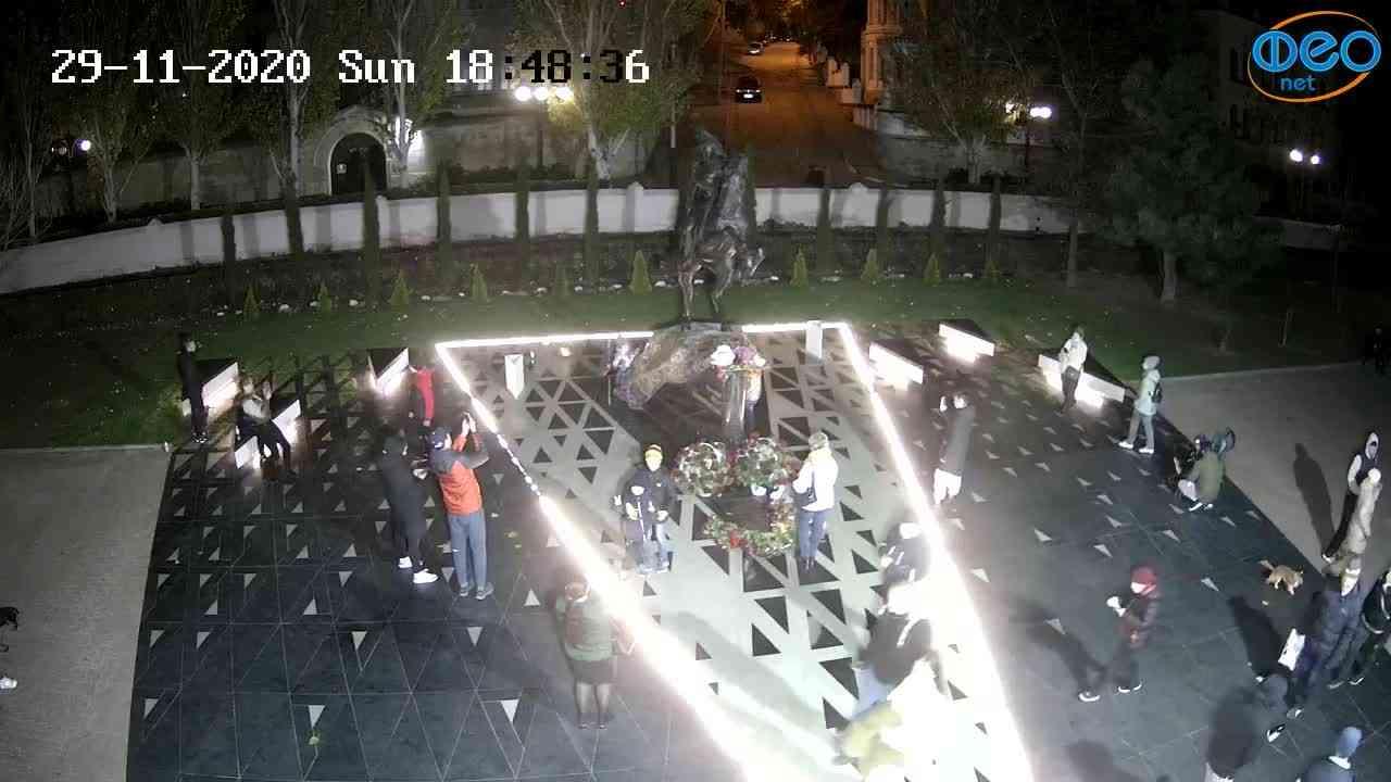 Веб-камеры Феодосии, Памятник генералу Котляревскому, 2020-11-29 18:48:53