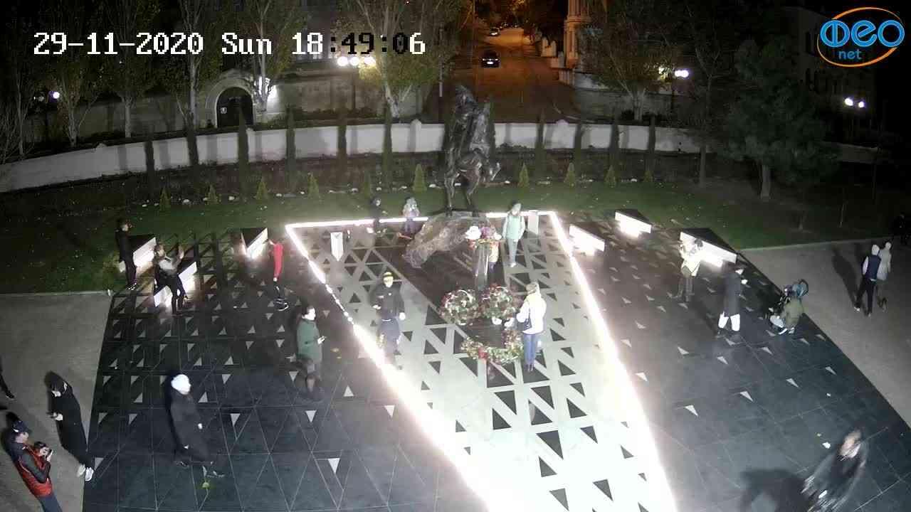 Веб-камеры Феодосии, Памятник генералу Котляревскому, 2020-11-29 18:49:19