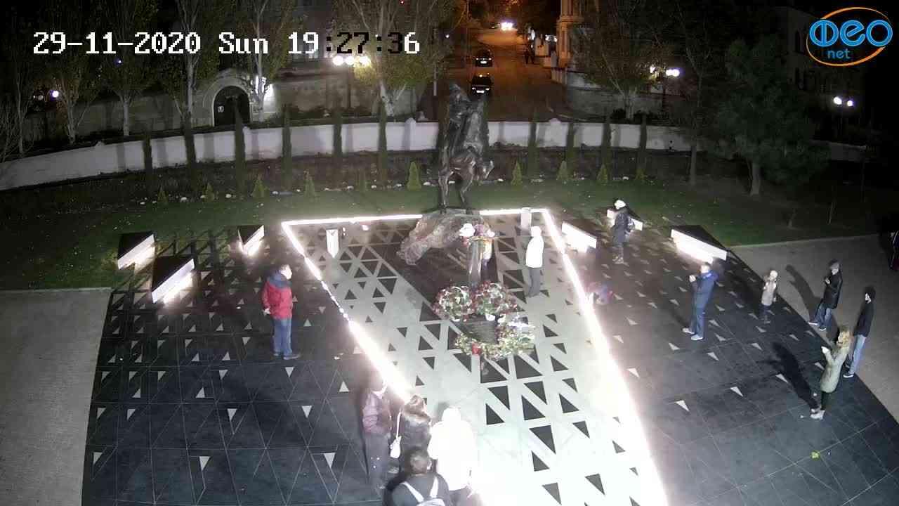 Веб-камеры Феодосии, Памятник генералу Котляревскому, 2020-11-29 19:27:49