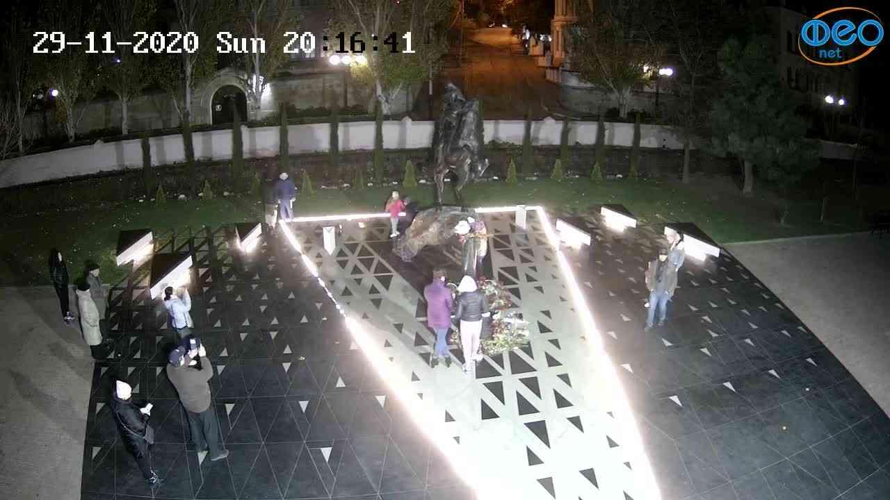Веб-камеры Феодосии, Памятник генералу Котляревскому, 2020-11-29 20:16:55