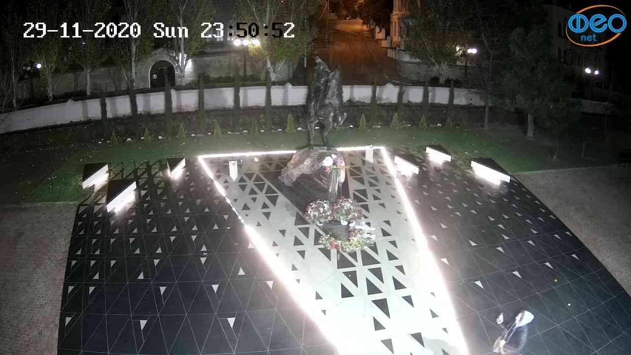 Веб-камеры Феодосии, Памятник генералу Котляревскому, 2020-11-29 23:51:05