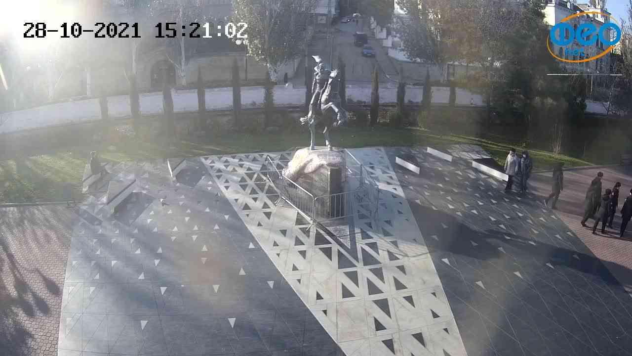 Веб-камеры Феодосии, Памятник генералу Котляревскому, 2021-10-28 15:21:13