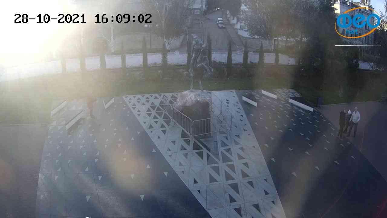 Веб-камеры Феодосии, Памятник генералу Котляревскому, 2021-10-28 16:09:13