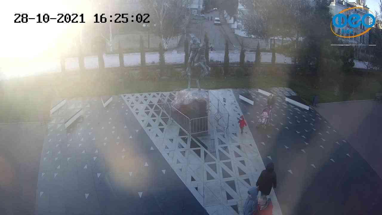 Веб-камеры Феодосии, Памятник генералу Котляревскому, 2021-10-28 16:25:13