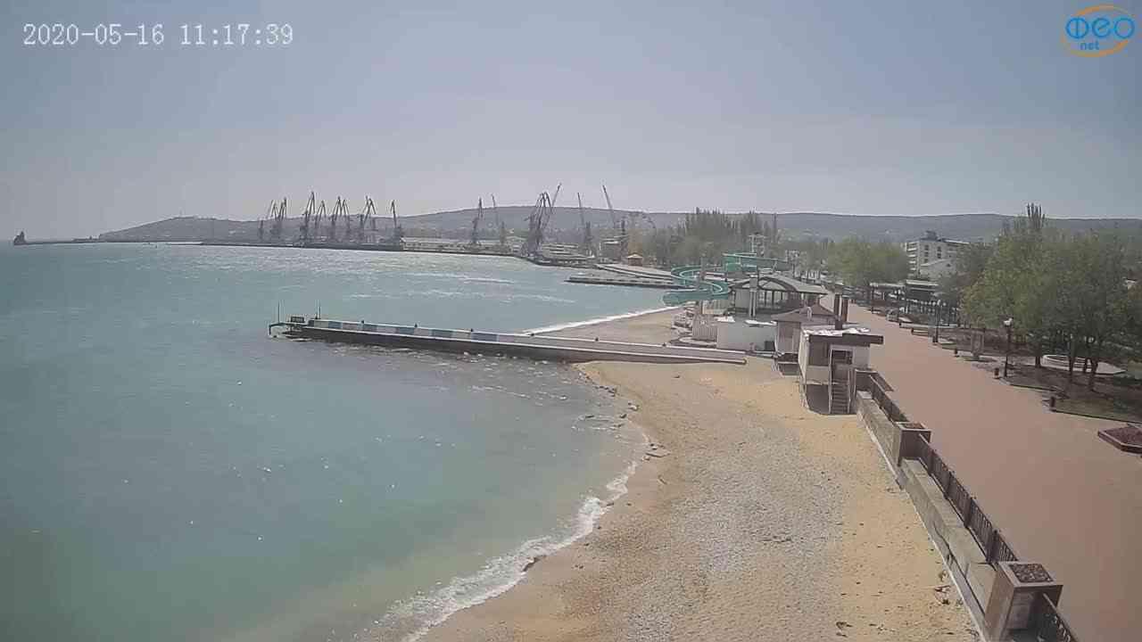 Вид на порт и маяк, фото сделано 16 мая 2020г. в 11:17