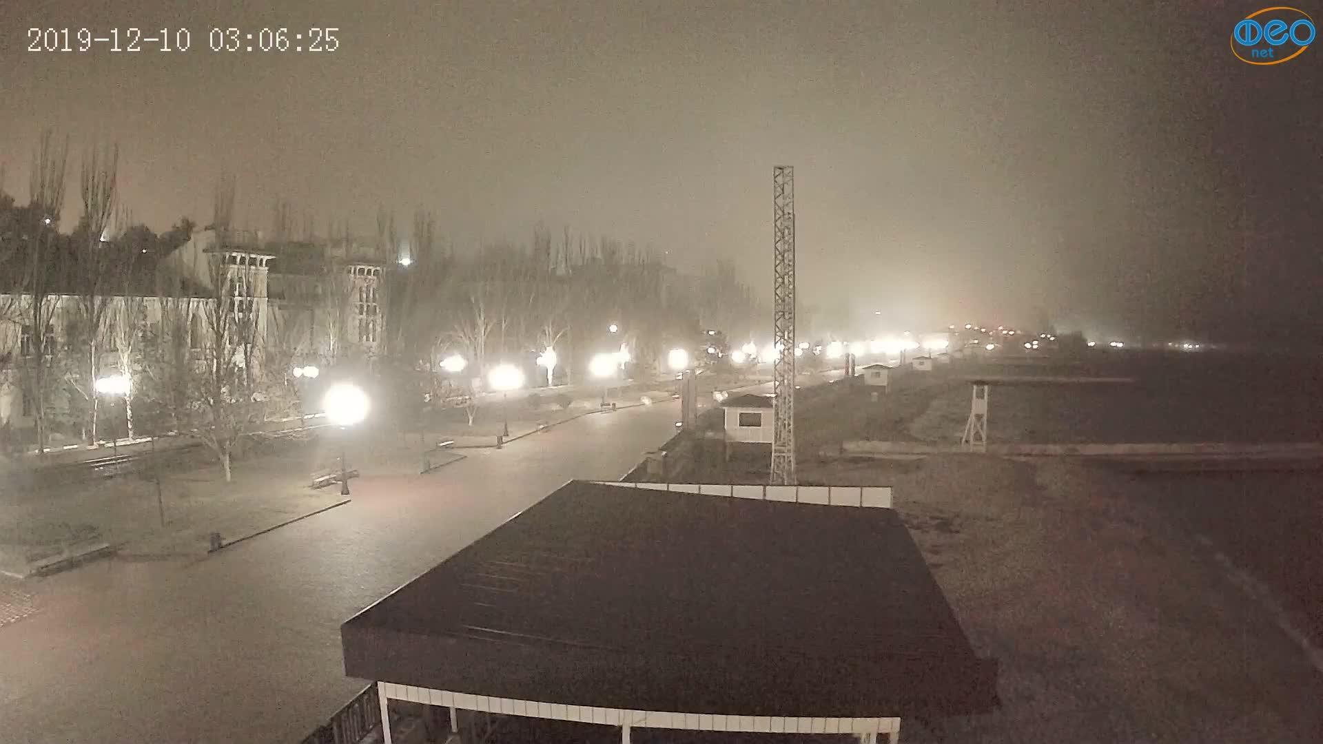 Веб-камеры Феодосии, Пляж Камешки, 2019-12-10 03:06:49
