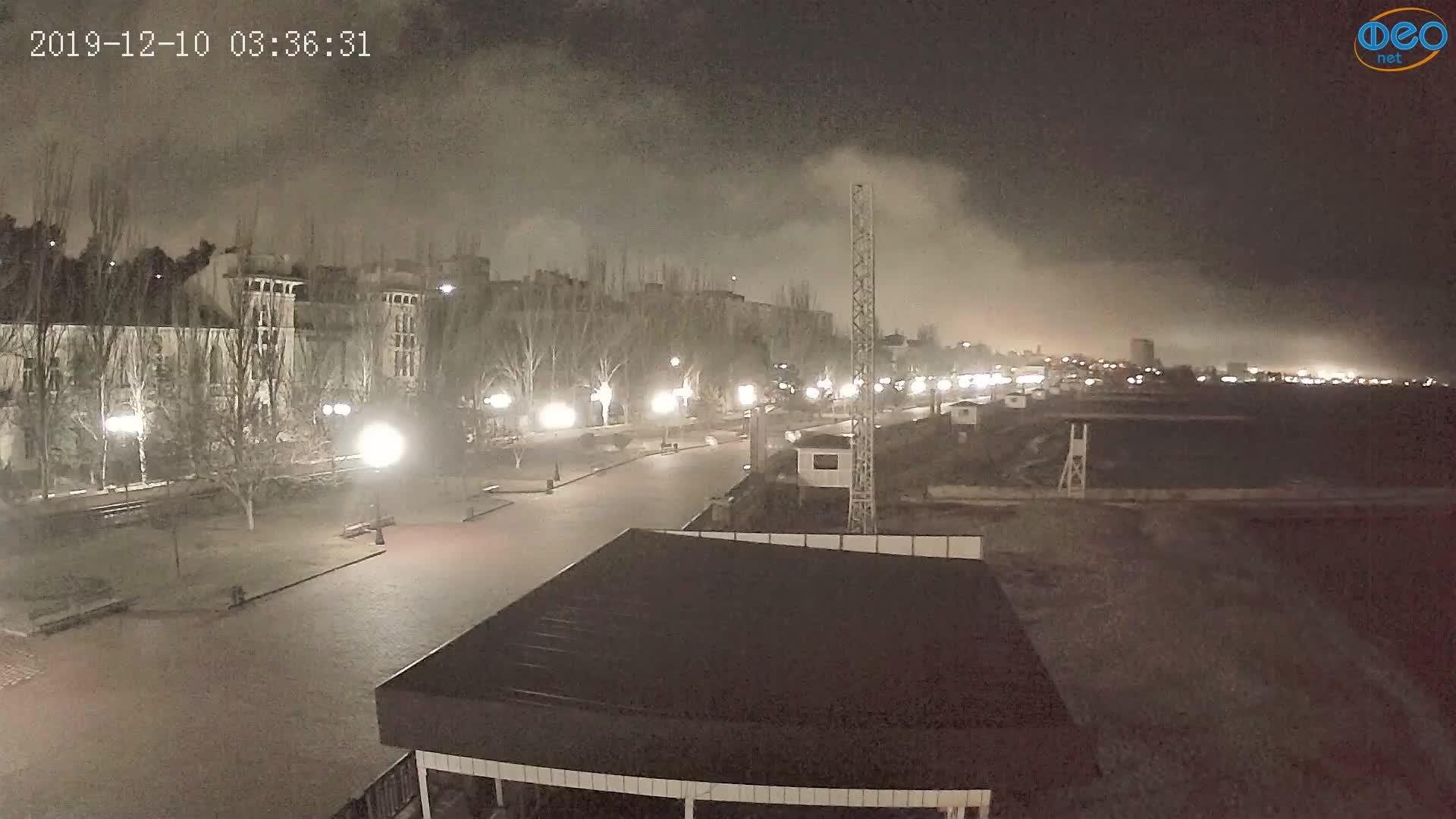Веб-камеры Феодосии, Пляж Камешки, 2019-12-10 03:36:55