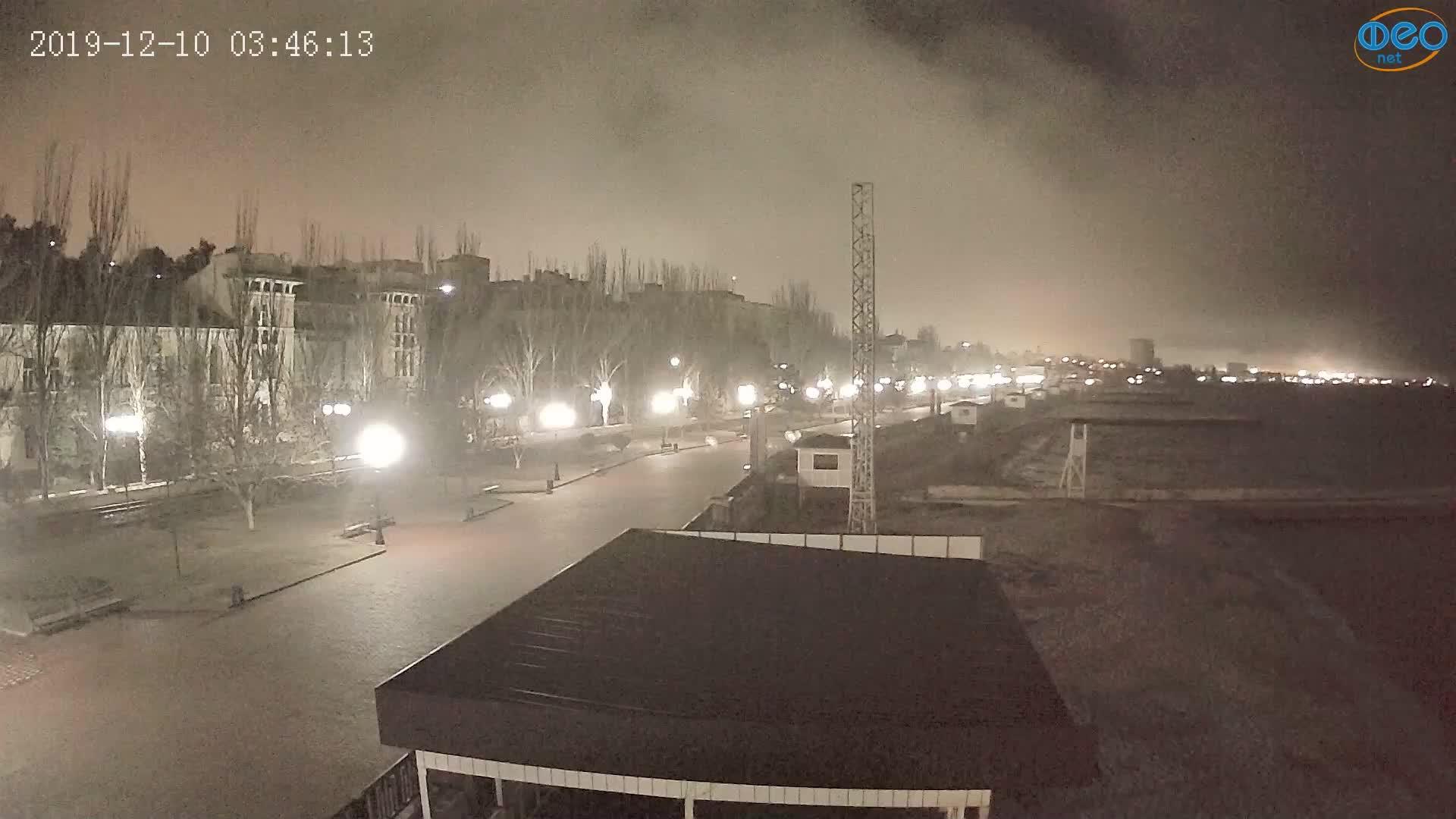 Веб-камеры Феодосии, Пляж Камешки, 2019-12-10 03:46:39