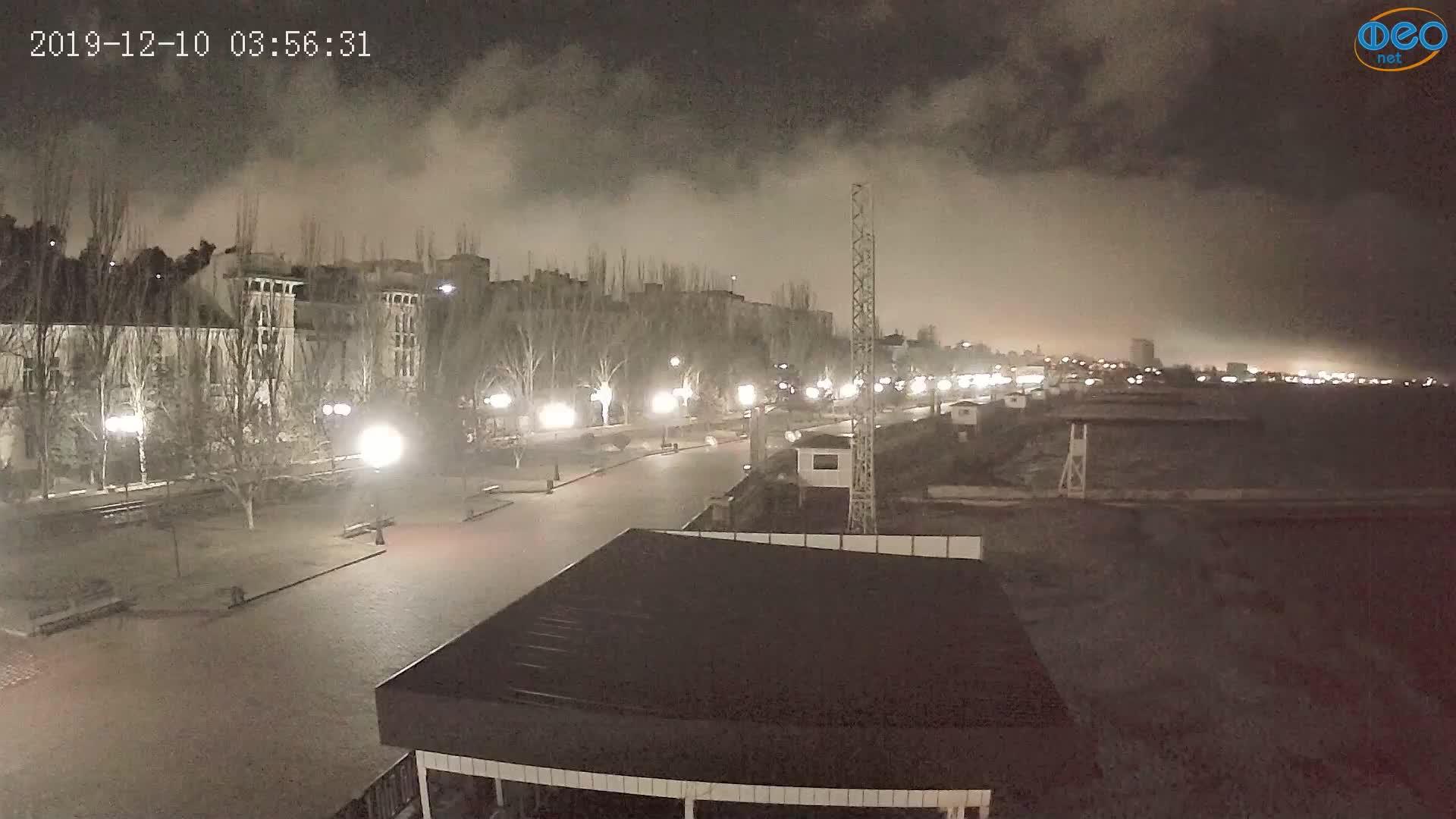 Веб-камеры Феодосии, Пляж Камешки, 2019-12-10 03:56:55