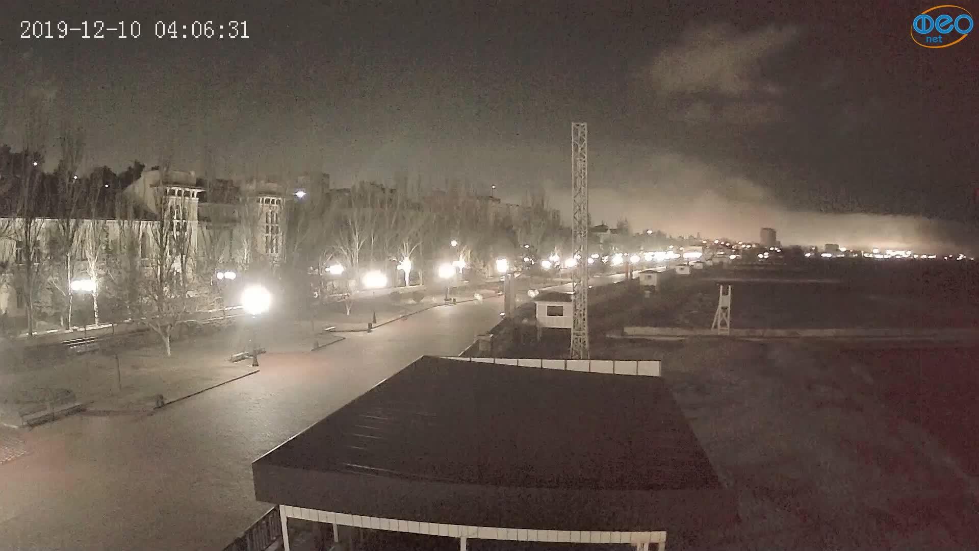 Веб-камеры Феодосии, Пляж Камешки, 2019-12-10 04:06:55