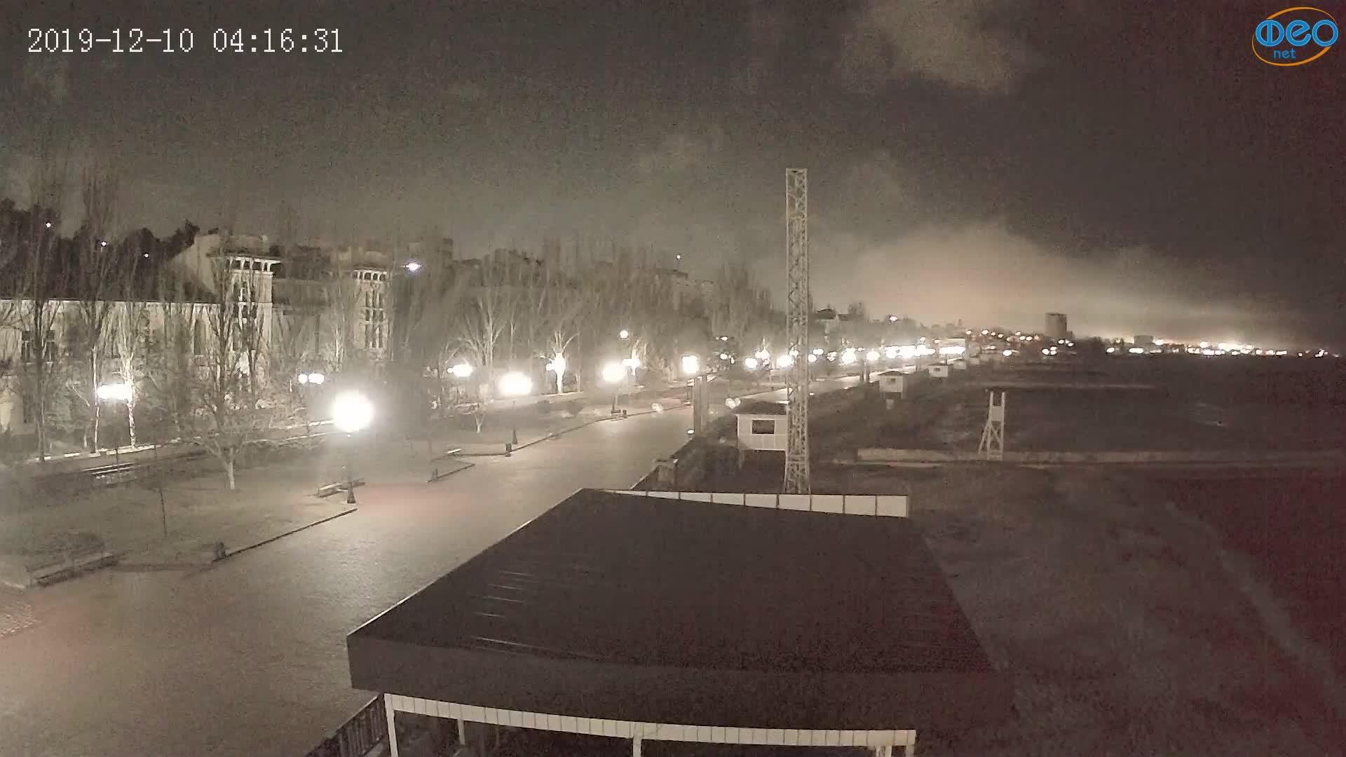 Веб-камеры Феодосии, Пляж Камешки, 2019-12-10 04:16:55