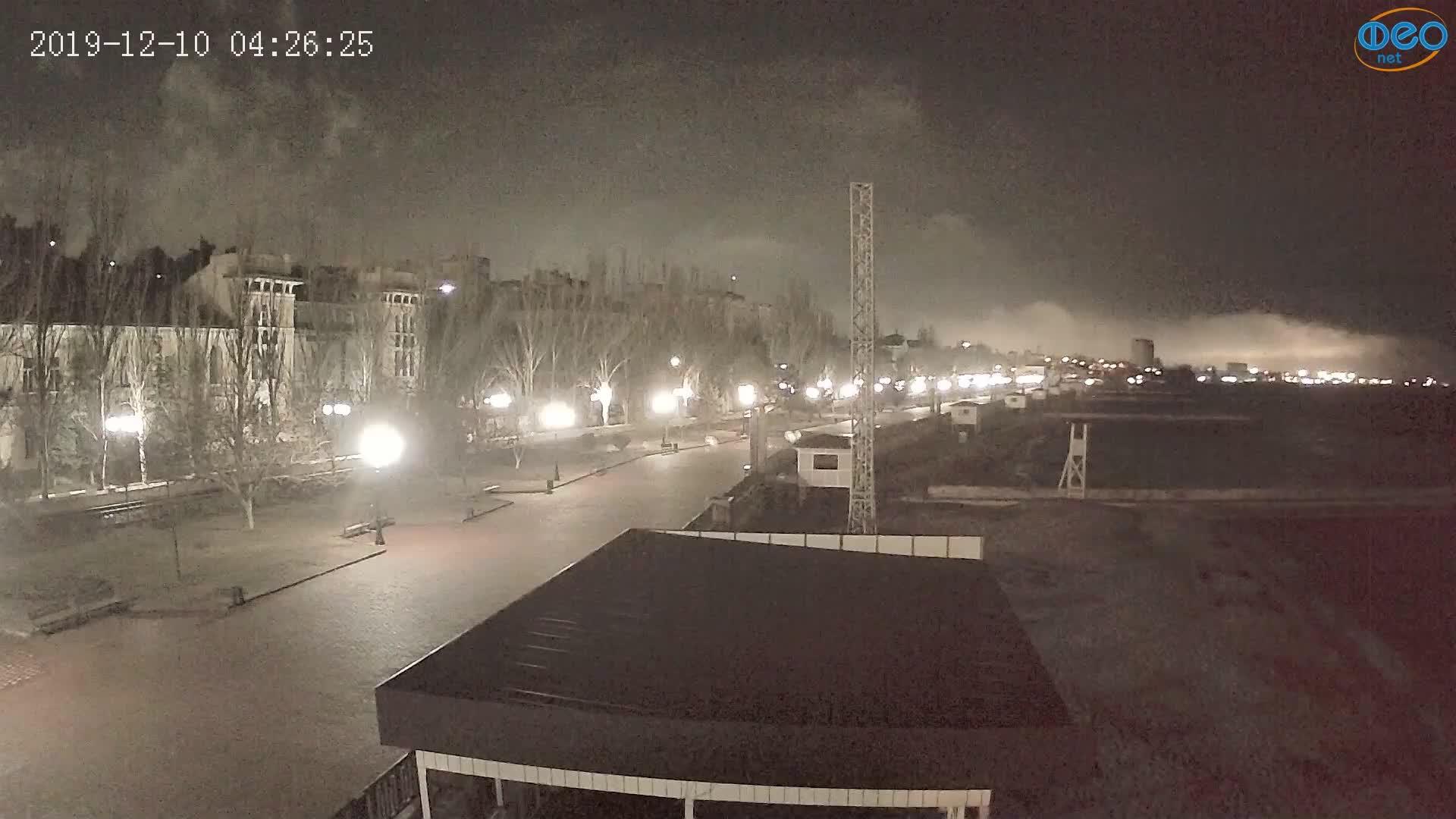 Веб-камеры Феодосии, Пляж Камешки, 2019-12-10 04:26:49