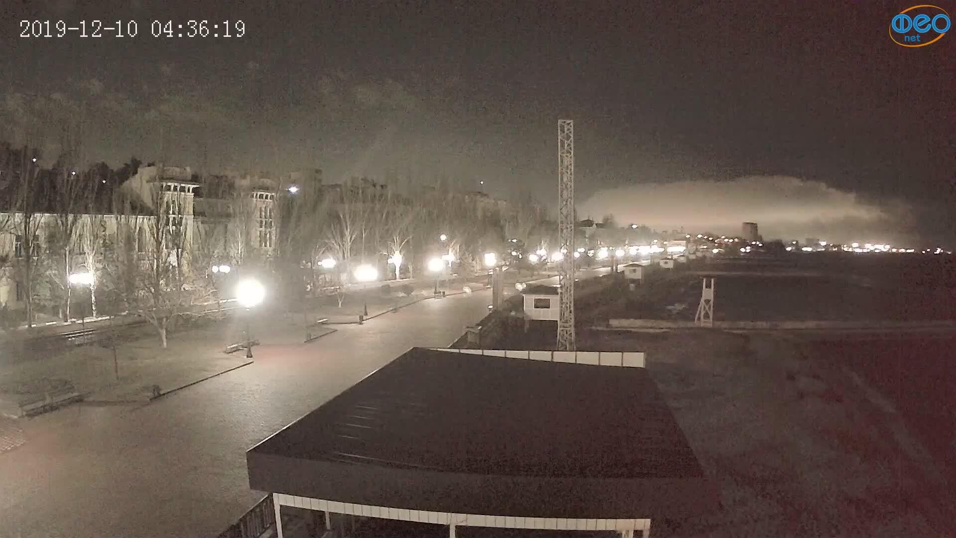 Веб-камеры Феодосии, Пляж Камешки, 2019-12-10 04:36:43