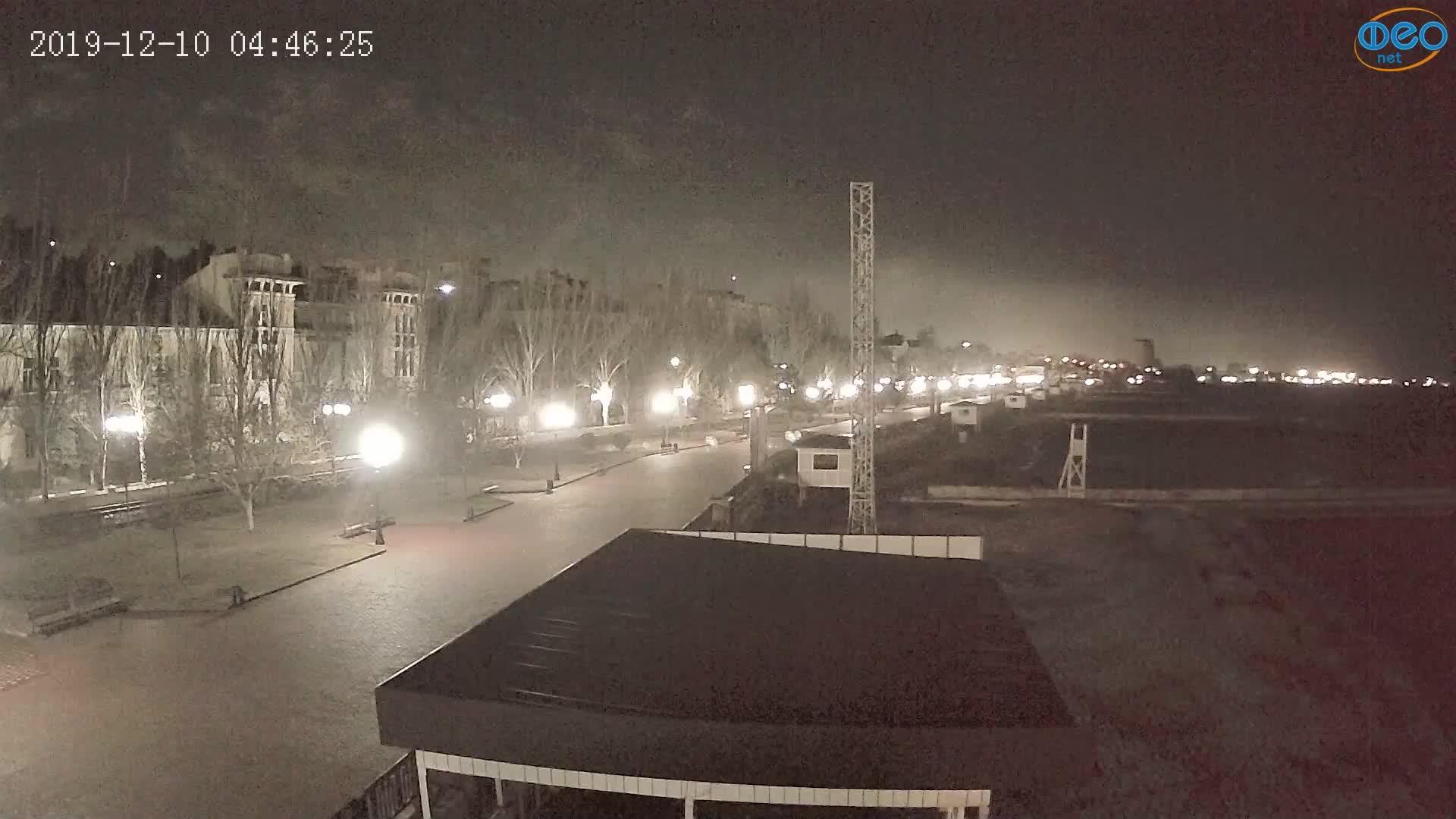 Веб-камеры Феодосии, Пляж Камешки, 2019-12-10 04:46:49