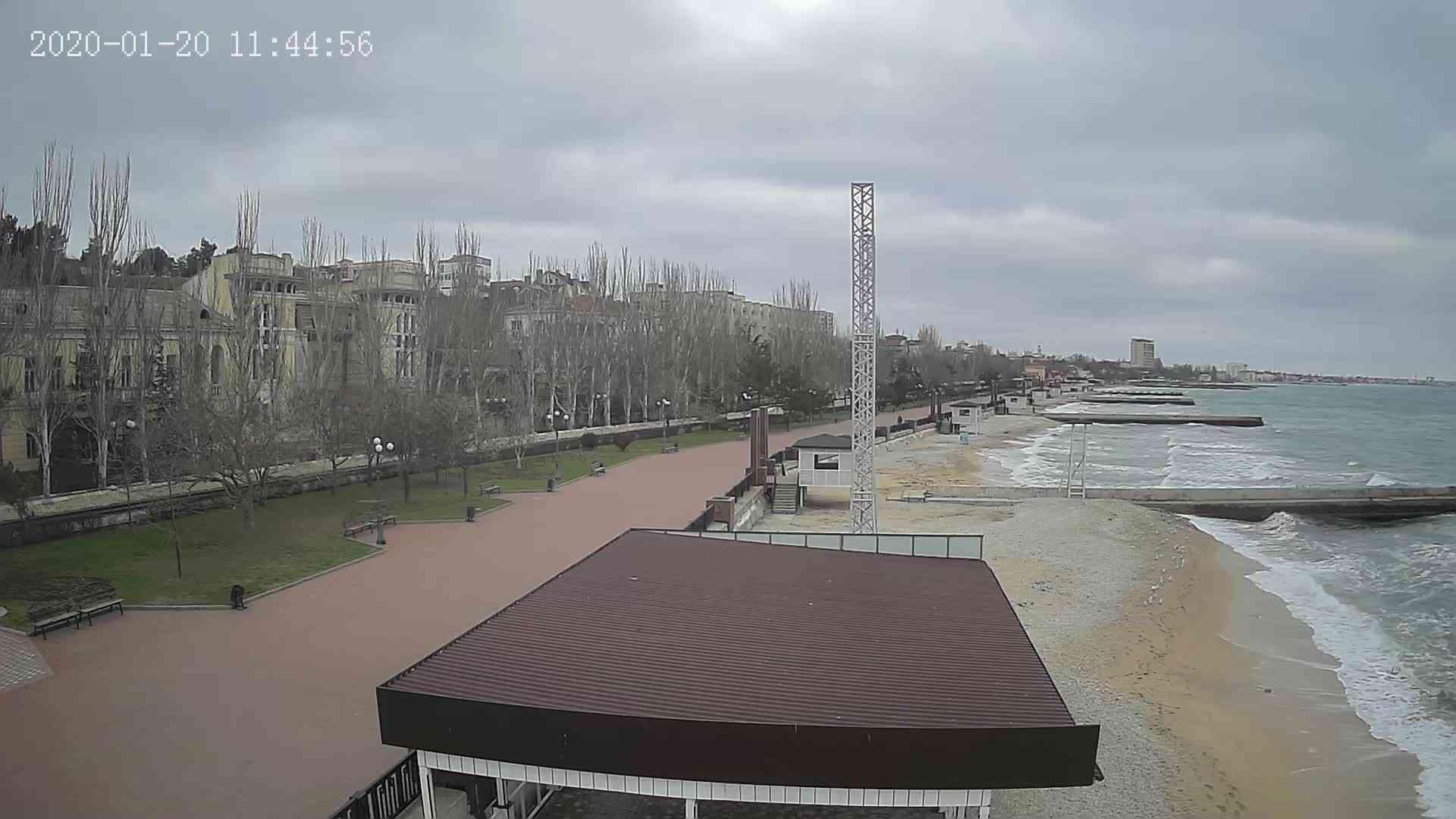 Веб-камеры Феодосии, Пляж Камешки, 2020-01-20 11:45:21