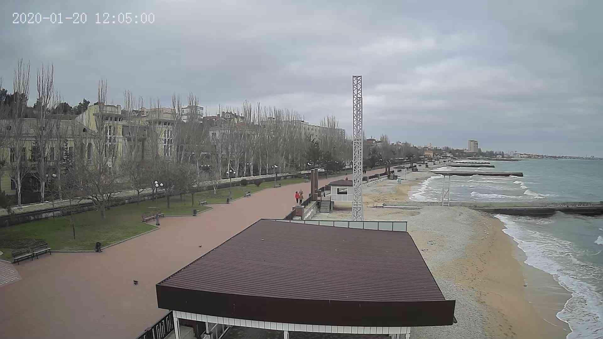 Веб-камеры Феодосии, Пляж Камешки, 2020-01-20 12:05:21