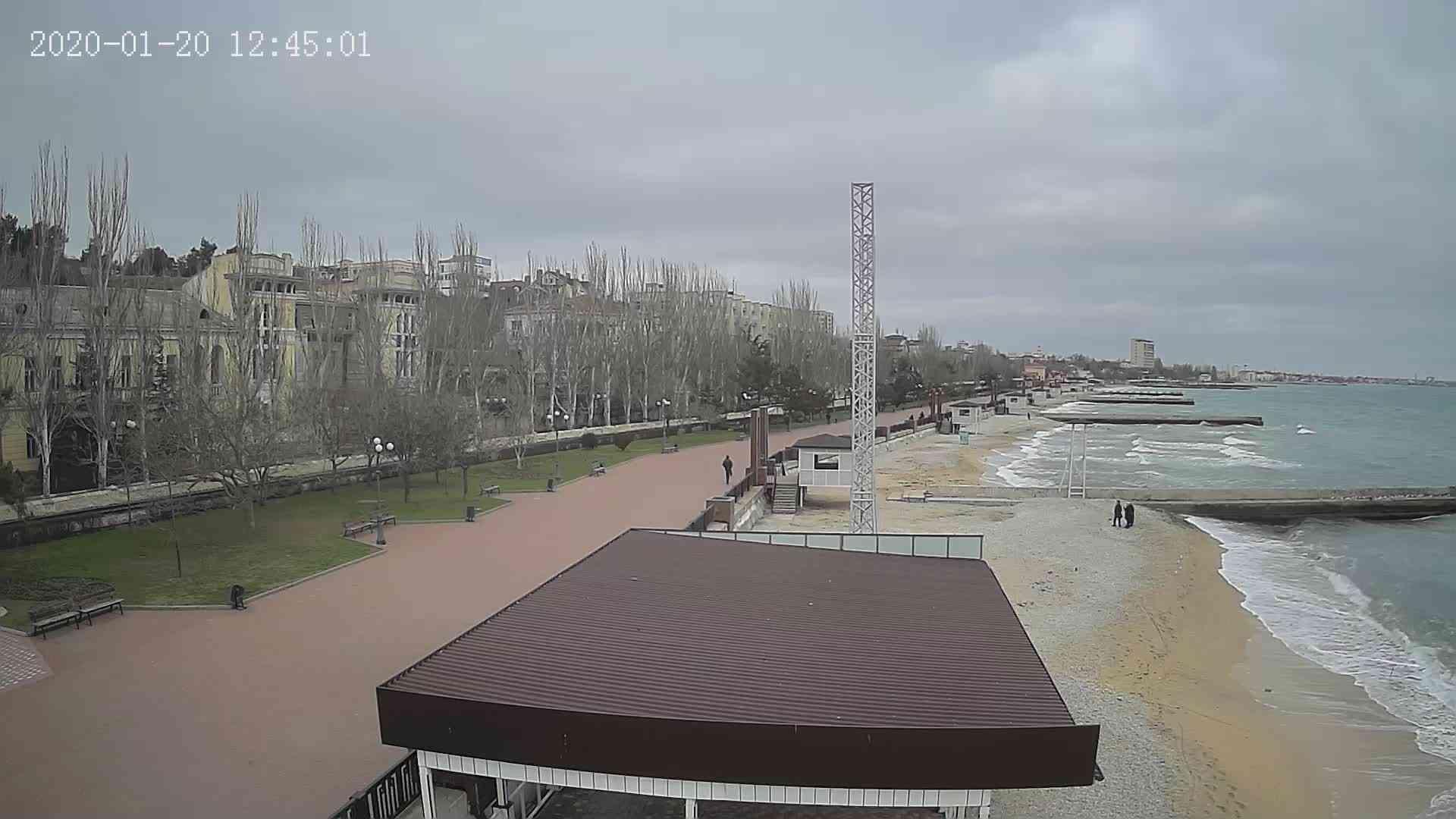 Веб-камеры Феодосии, Пляж Камешки, 2020-01-20 12:45:21