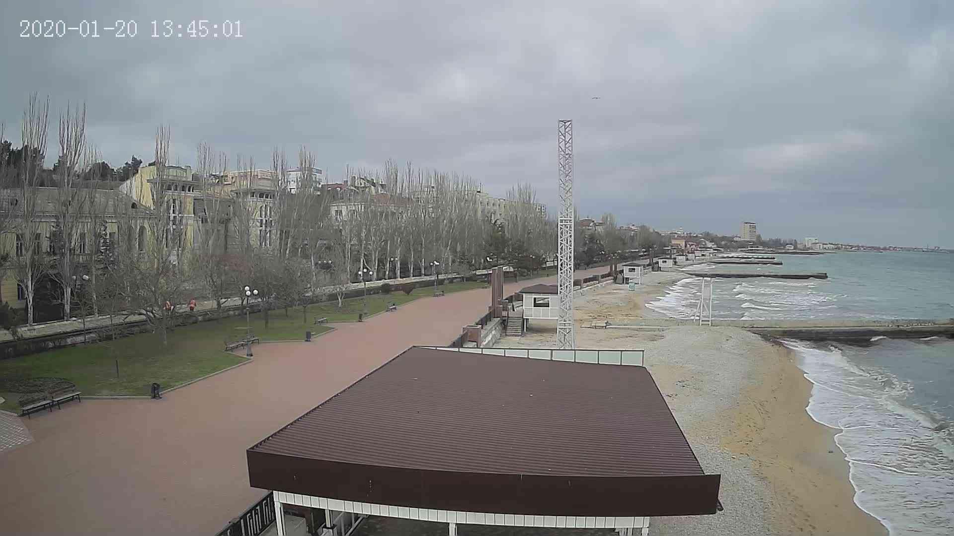 Веб-камеры Феодосии, Пляж Камешки, 2020-01-20 13:45:22