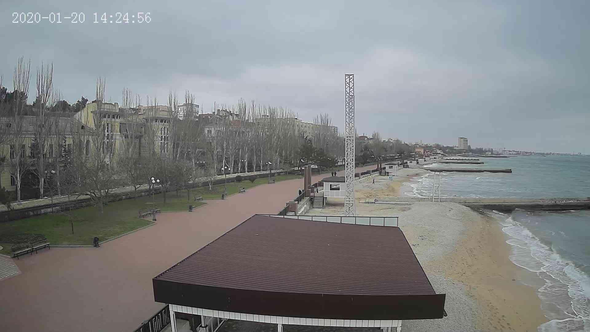 Веб-камеры Феодосии, Пляж Камешки, 2020-01-20 14:25:21