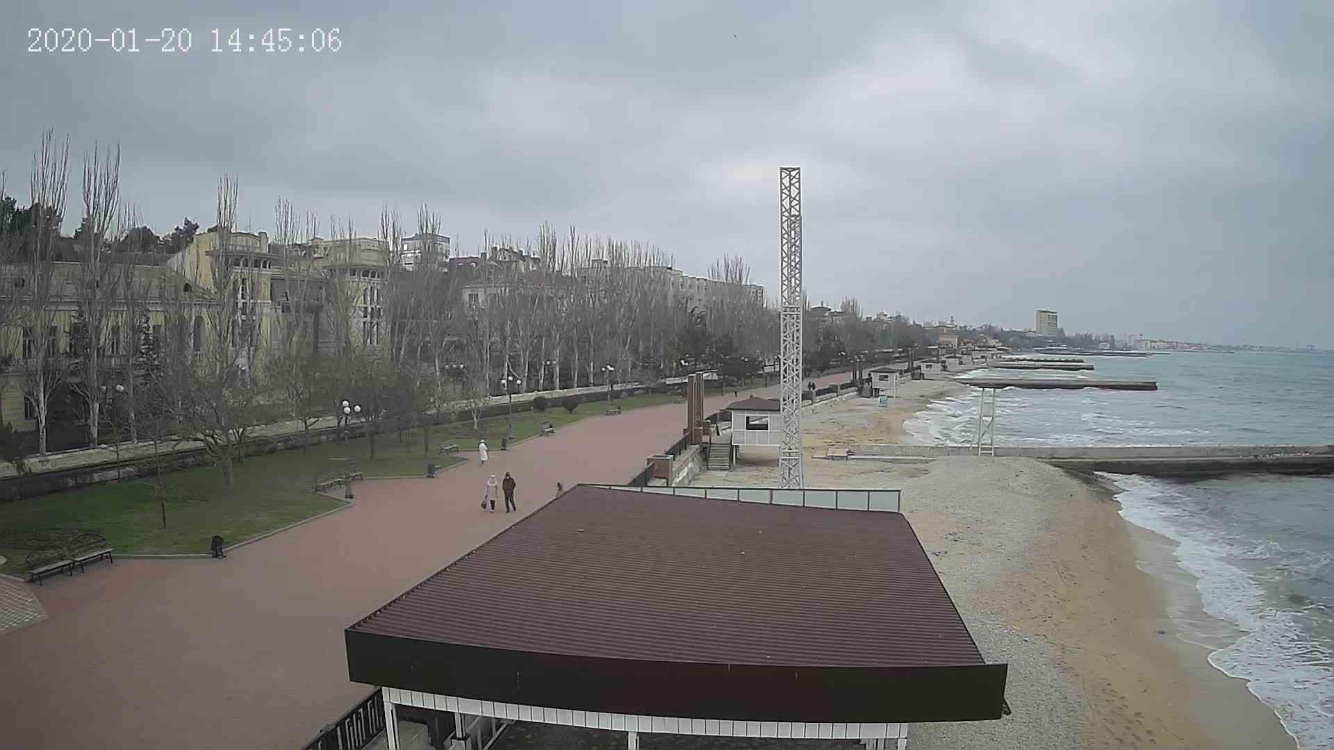 Веб-камеры Феодосии, Пляж Камешки, 2020-01-20 14:45:30
