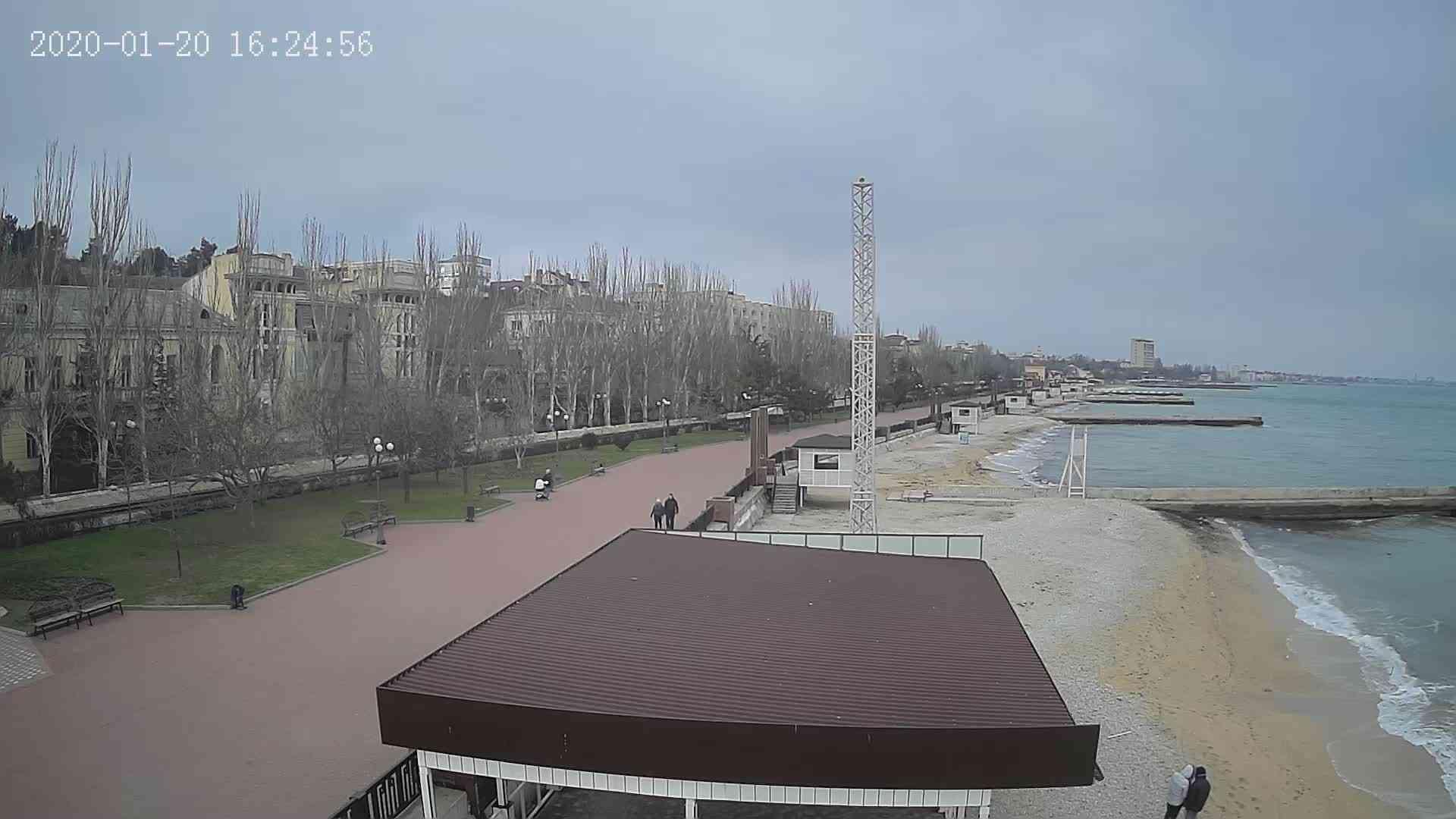 Веб-камеры Феодосии, Пляж Камешки, 2020-01-20 16:25:21
