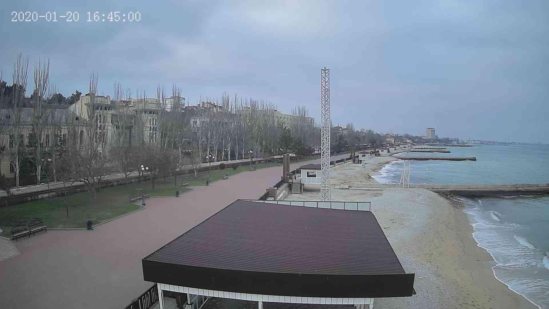 Веб-камеры Феодосии, Пляж Камешки, 2020-01-20 16:45:22