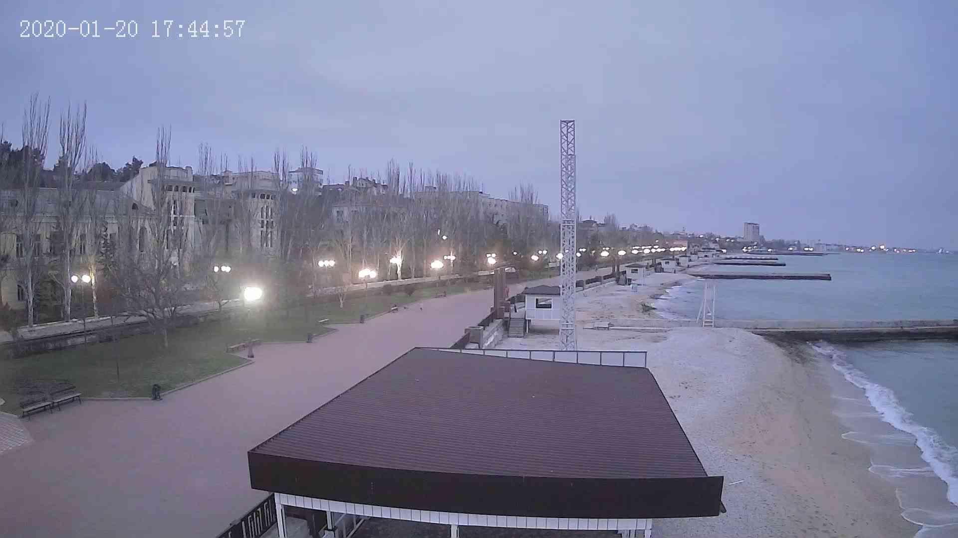 Веб-камеры Феодосии, Пляж Камешки, 2020-01-20 17:45:20