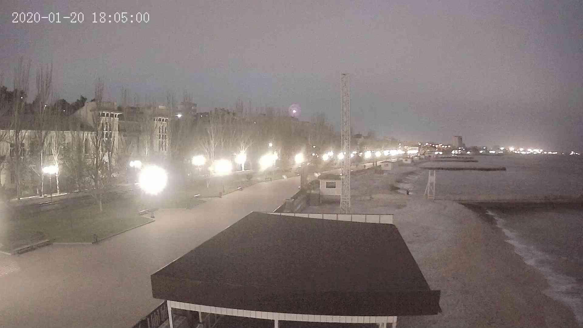 Веб-камеры Феодосии, Пляж Камешки, 2020-01-20 18:05:20