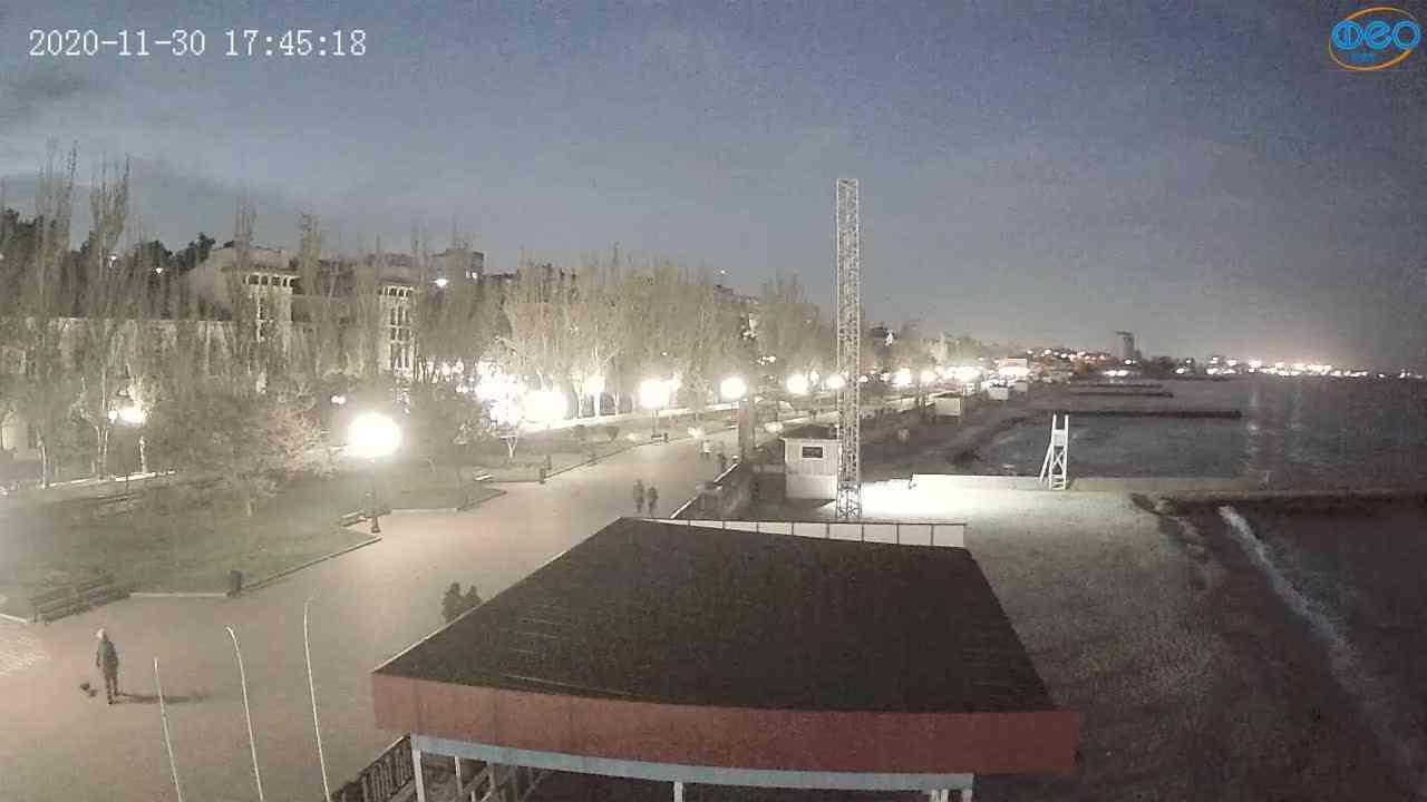 Веб-камеры Феодосии, Пляж Камешки, 2020-11-30 17:45:25