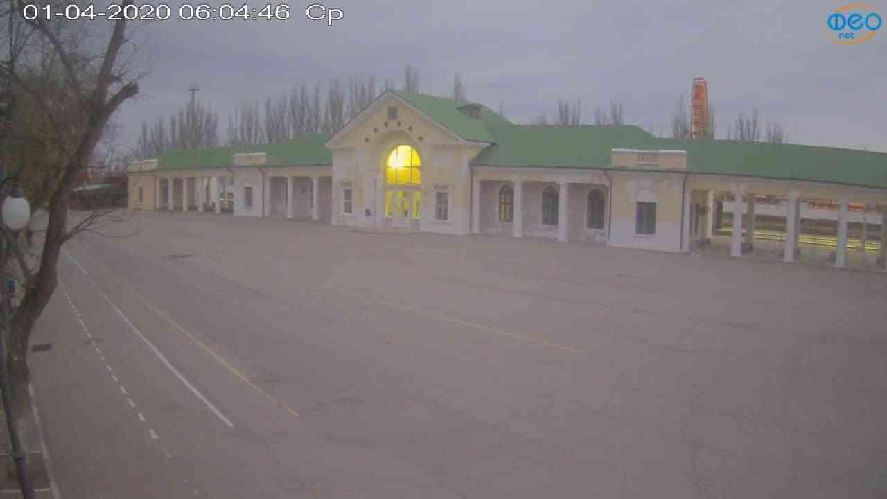Веб-камеры Феодосии, Привокзальная площадь, 2020-04-01 06:05:07