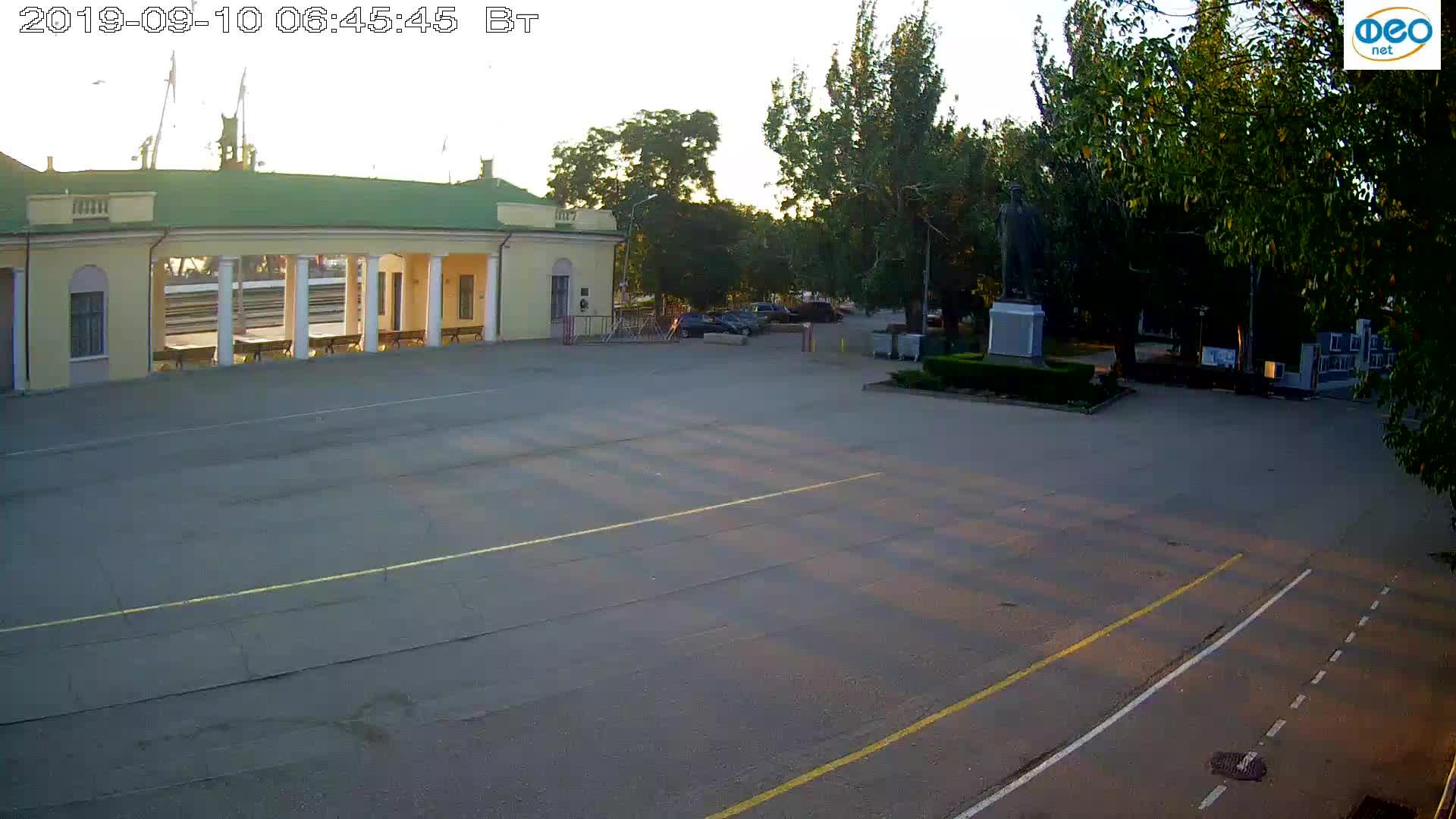 Веб-камеры Феодосии, Привокзальная площадь 2, 2019-09-10 06:33:09