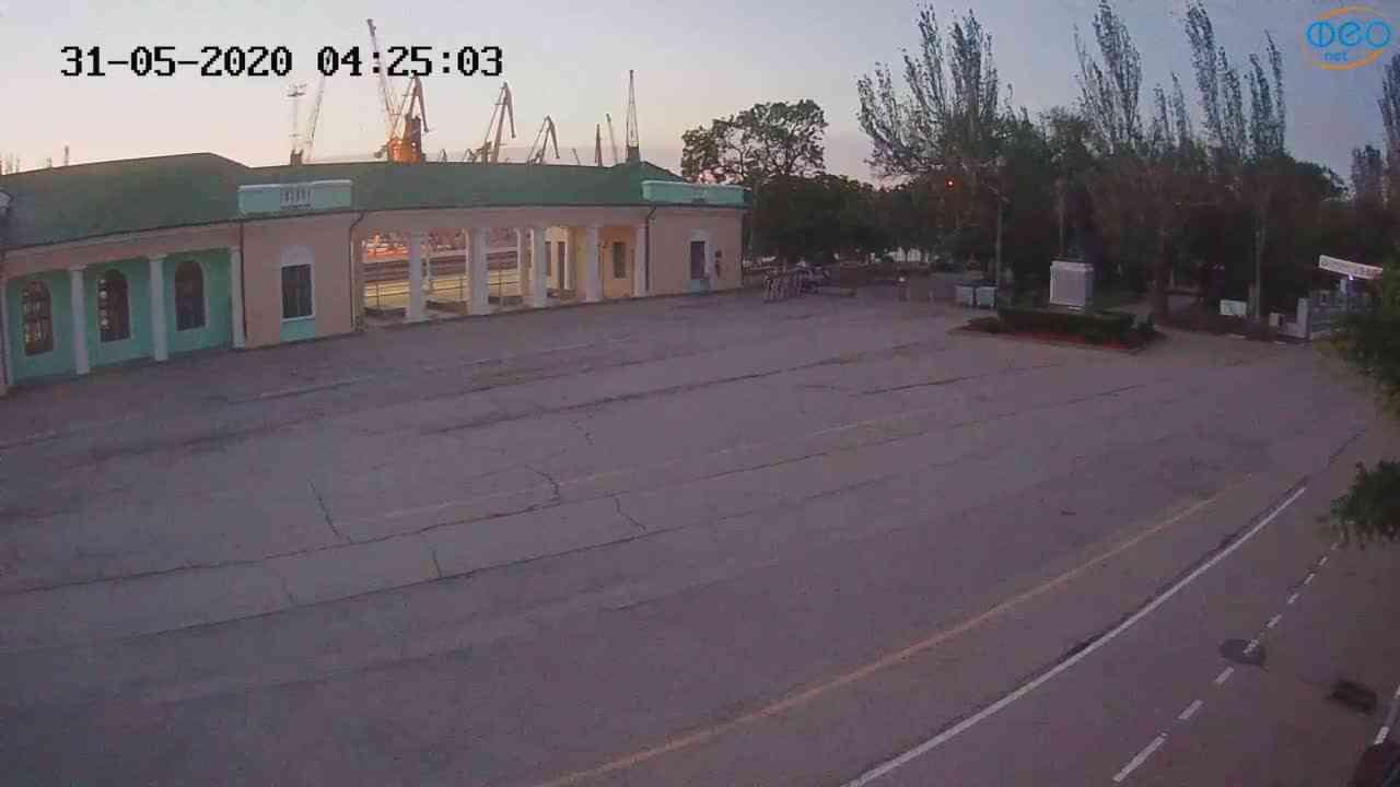 Веб-камеры Феодосии, Привокзальная площадь 2, 2020-05-31 04:25:14