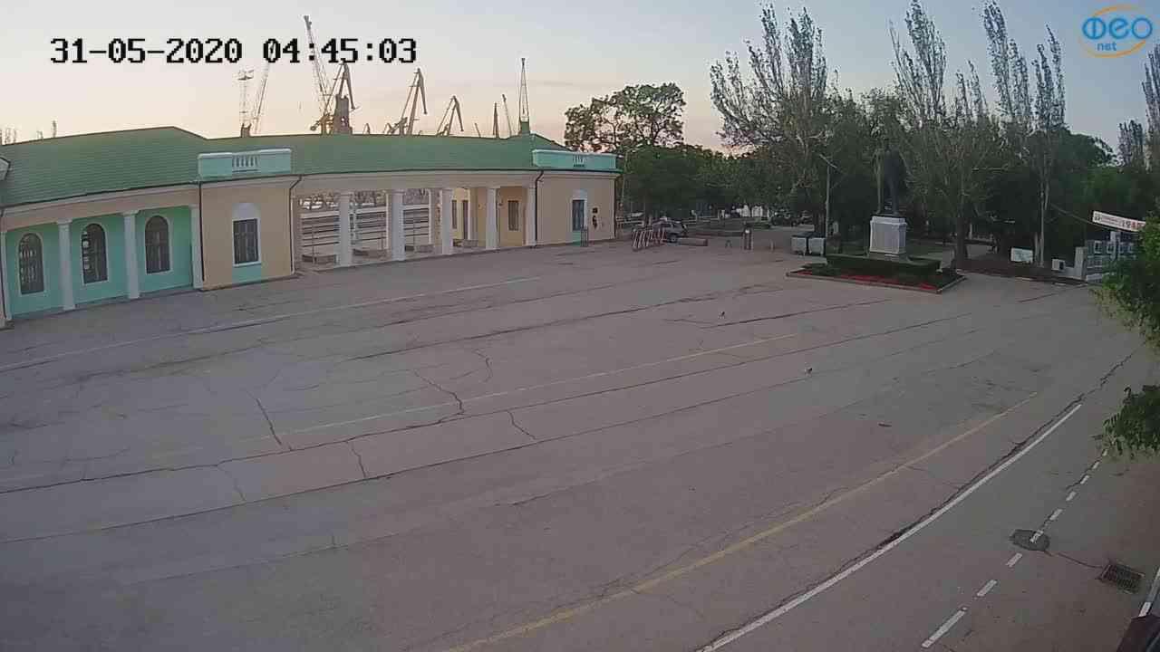 Веб-камеры Феодосии, Привокзальная площадь 2, 2020-05-31 04:45:16