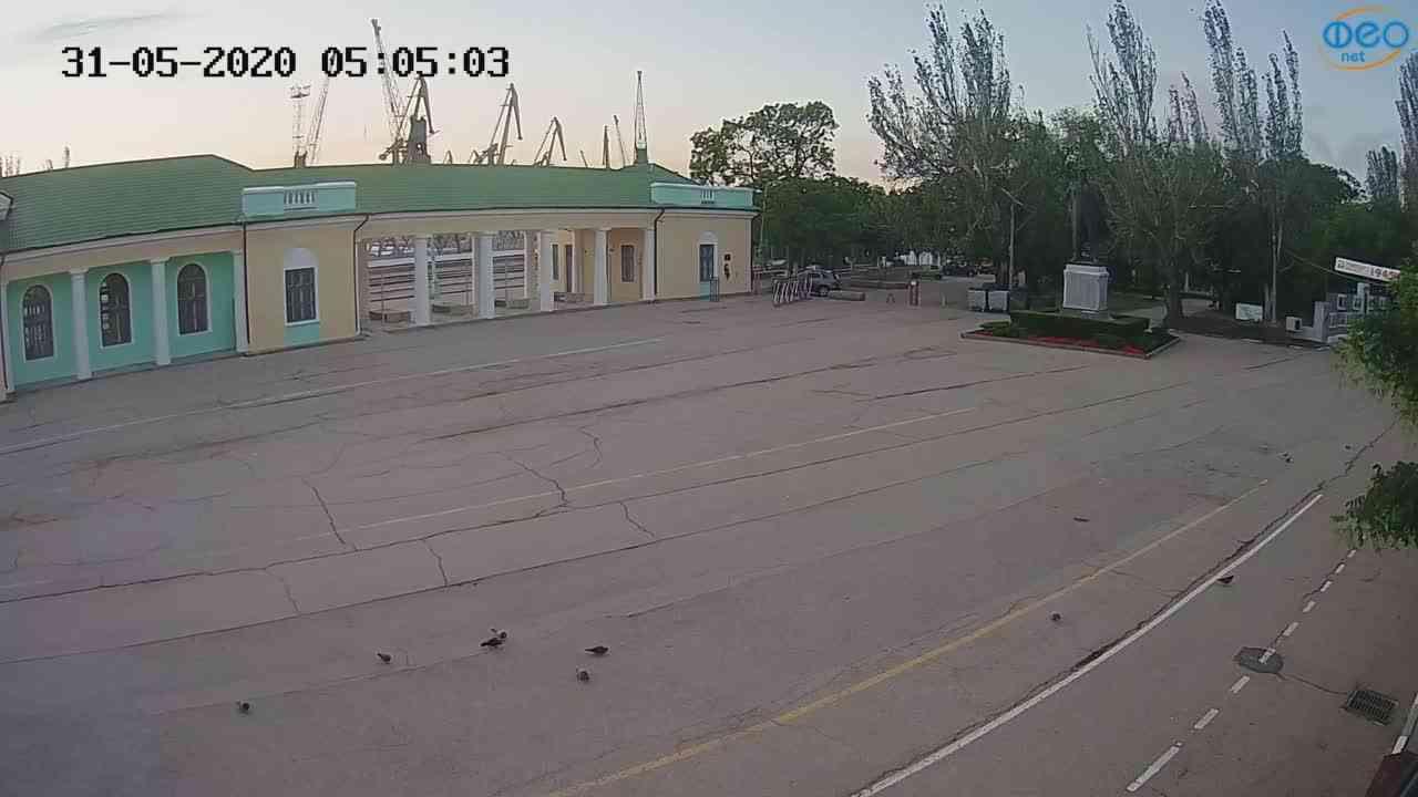 Веб-камеры Феодосии, Привокзальная площадь 2, 2020-05-31 05:05:14