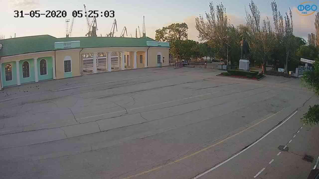 Веб-камеры Феодосии, Привокзальная площадь 2, 2020-05-31 05:25:13