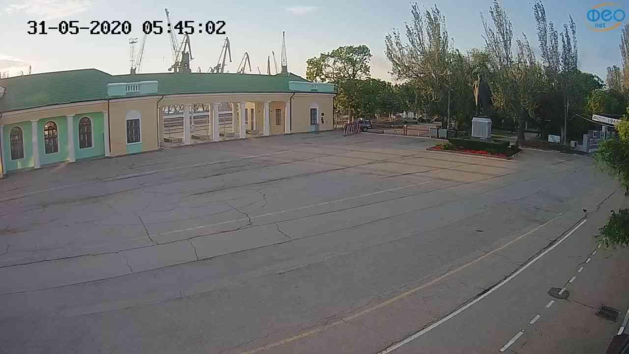 Веб-камеры Феодосии, Привокзальная площадь 2, 2020-05-31 05:45:13