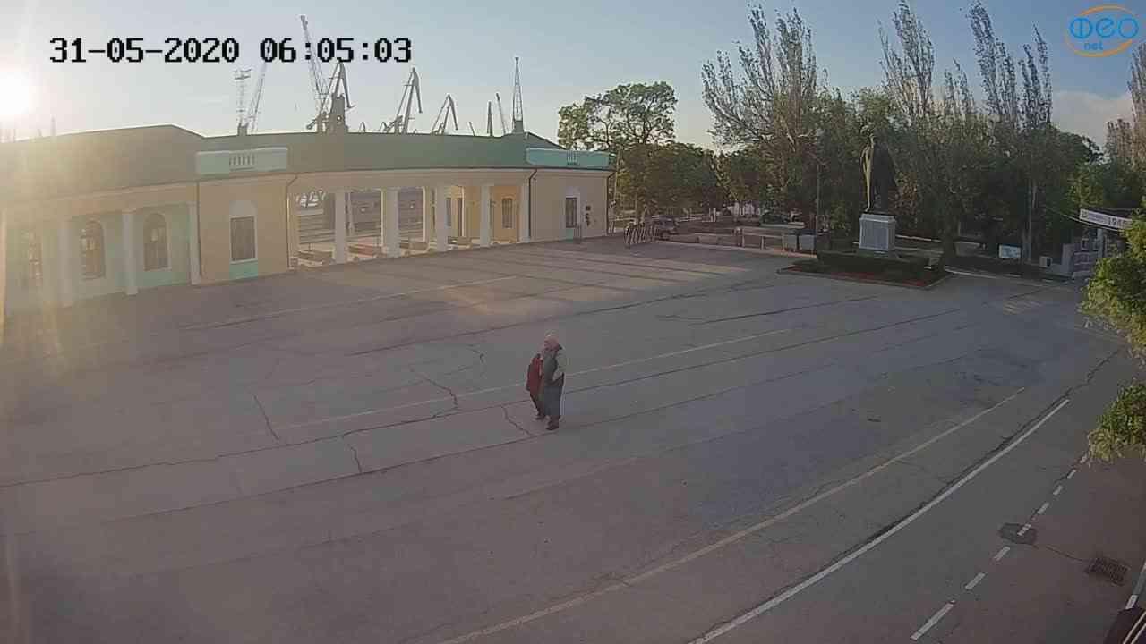 Веб-камеры Феодосии, Привокзальная площадь 2, 2020-05-31 06:05:13