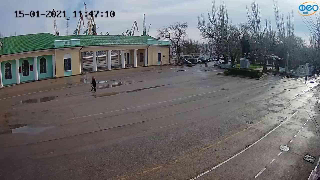 Веб-камеры Феодосии, Привокзальная площадь 2, 2021-01-15 11:47:19