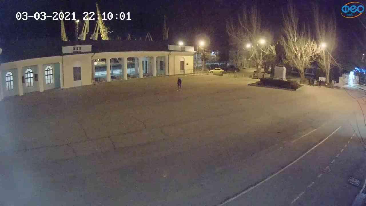 Веб-камеры Феодосии, Привокзальная площадь 2, 2021-03-03 22:10:09