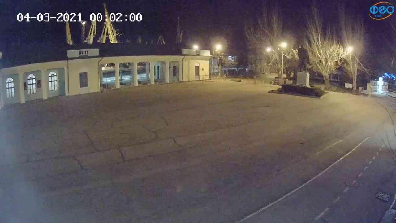 Веб-камеры Феодосии, Привокзальная площадь 2, 2021-03-04 00:02:10