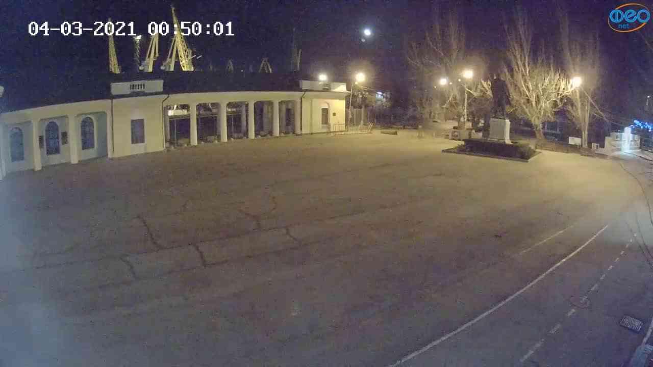 Веб-камеры Феодосии, Привокзальная площадь 2, 2021-03-04 00:50:09