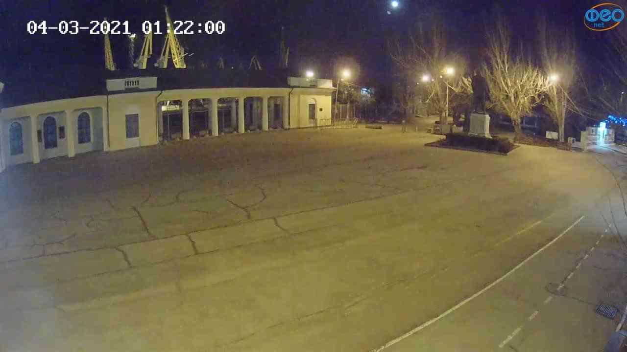 Веб-камеры Феодосии, Привокзальная площадь 2, 2021-03-04 01:22:09