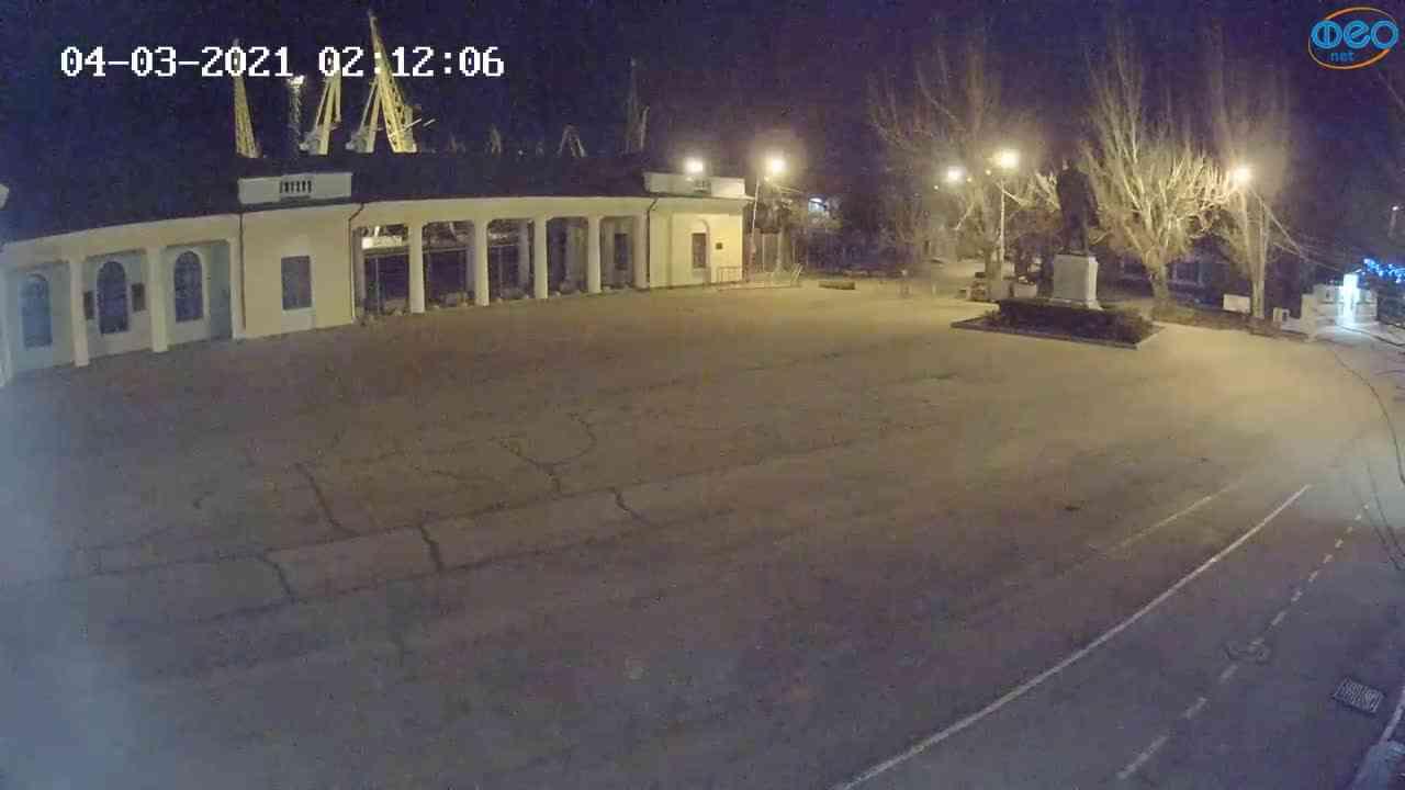 Веб-камеры Феодосии, Привокзальная площадь 2, 2021-03-04 02:12:19