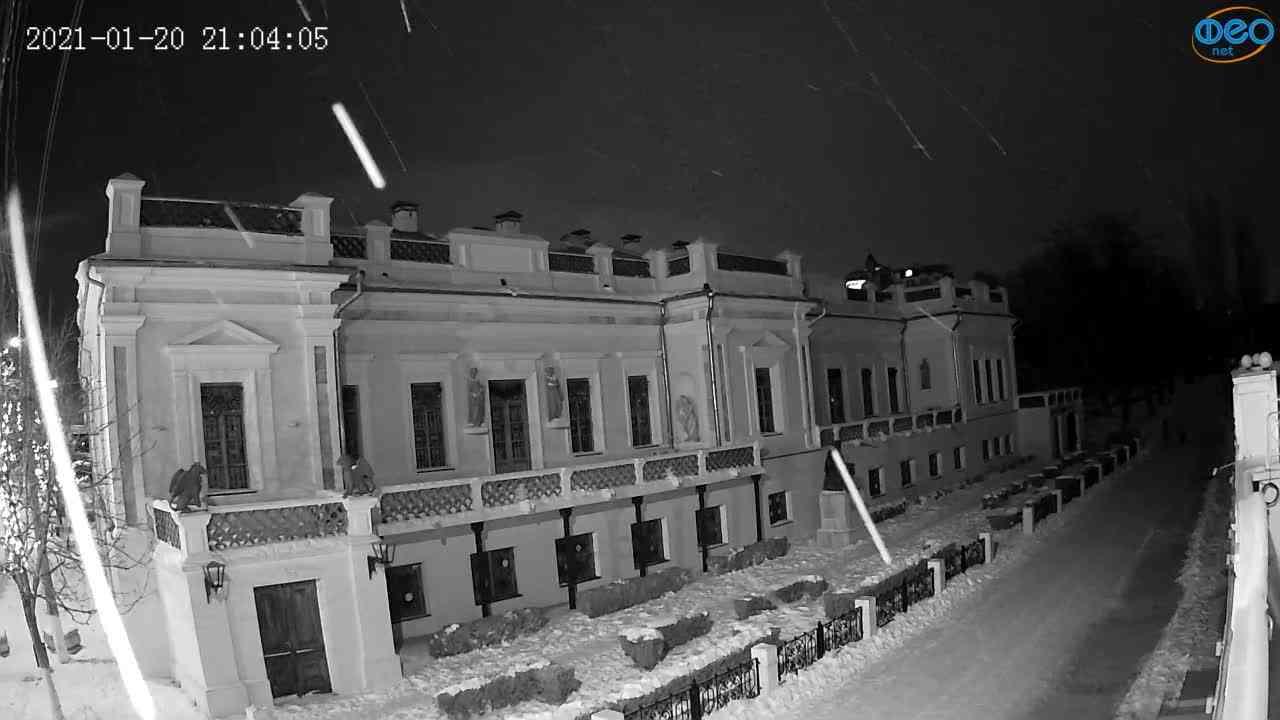 Веб-камеры Феодосии, Памятник Айвазовскому, 2021-01-20 21:04:12