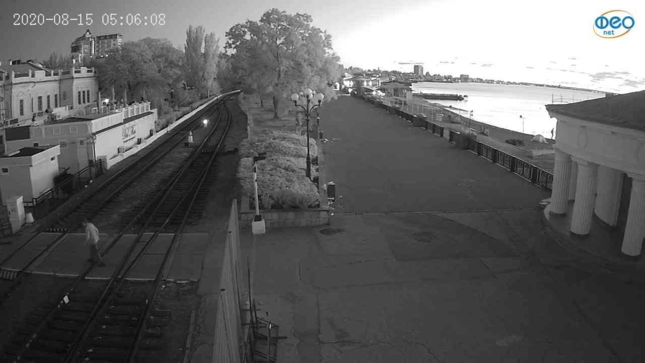 Веб-камеры Феодосии, Набережная, 2020-08-15 05:06:16